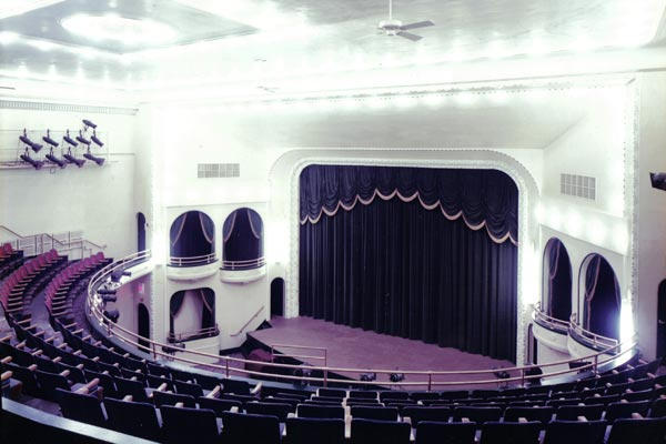 The interior of the Oster Regent Theatre in 1994